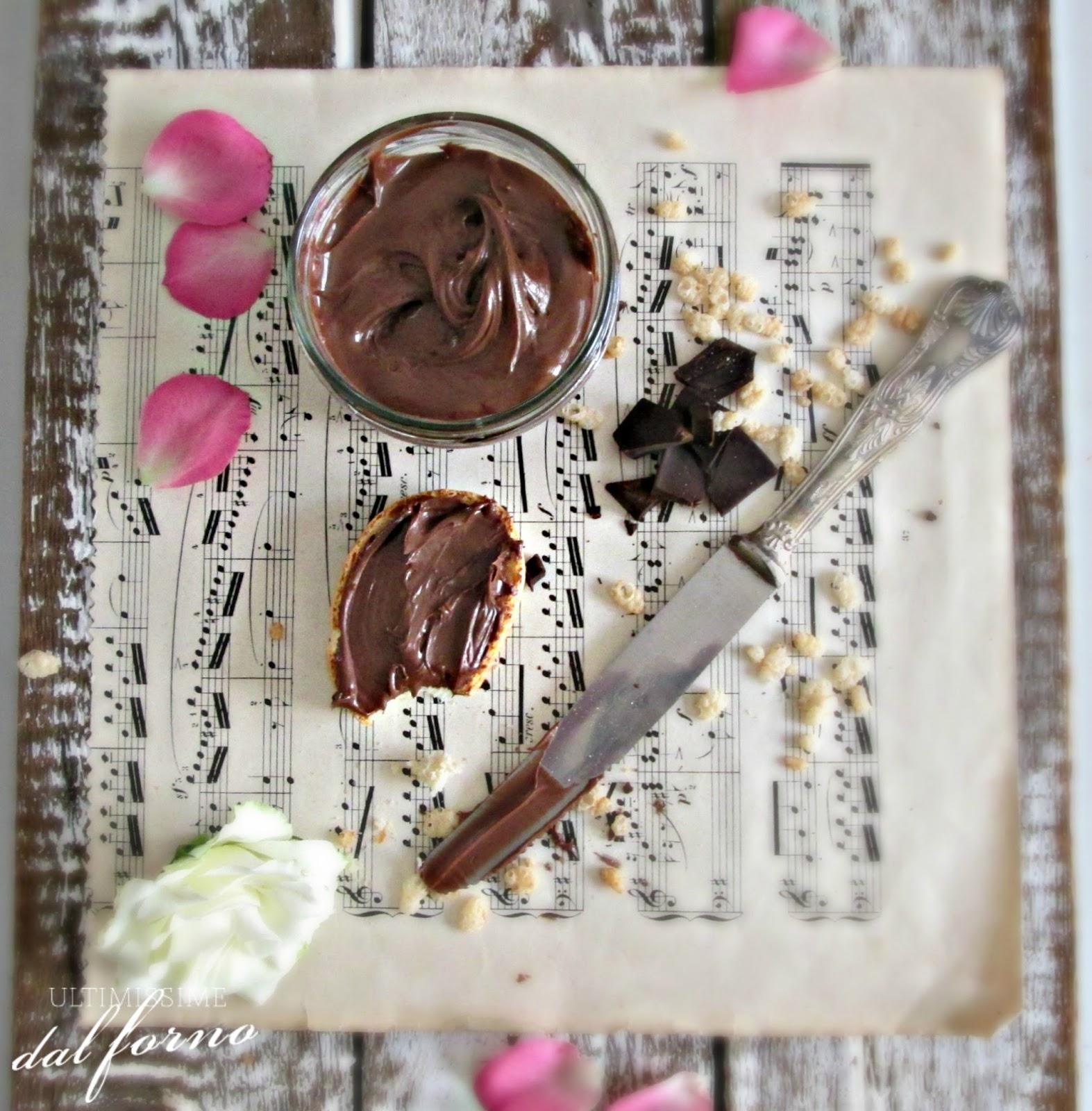 Ricetta Nutella Senza Nocciole.Crema Spalmabile Al Cioccolato Senza Nocciole E Senza Lattosio Ultimissime Dal Forno