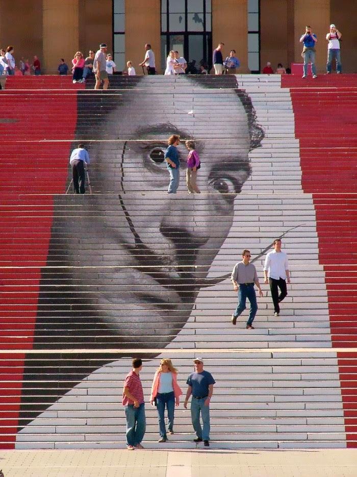 Рисунки на лестницах