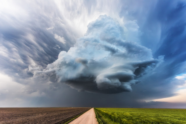 Amazing, Clouds, extreme, Lightning, Nature, Power of nature, Severe Weather, sky, Storm, Supercell, thunderstorm, Weather phenomena, Weather, Video,