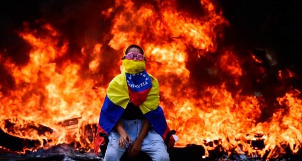 PURA CANDELA! Caiga quien Caiga, Las Horas Más Oscuras de Venezuela