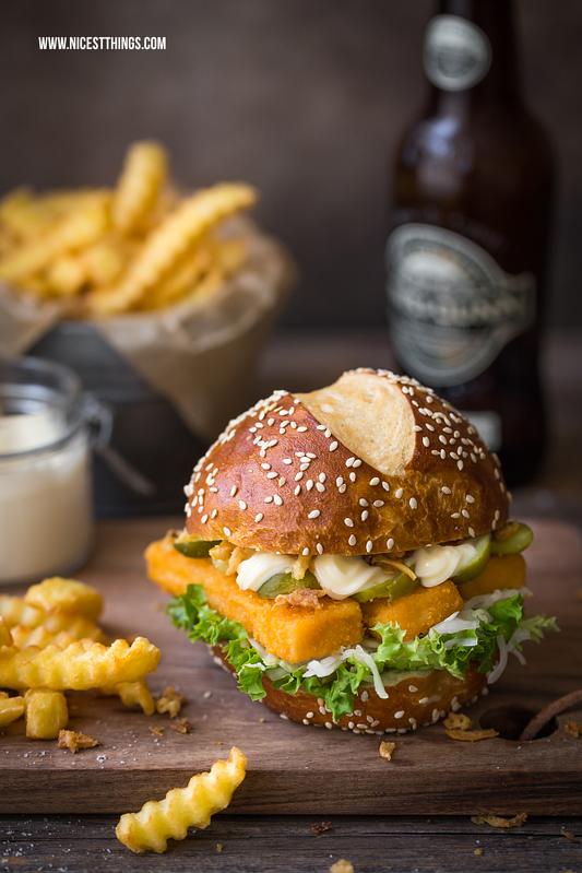 Fischburger mit Fischstäbchen, Fish and Chips Burger