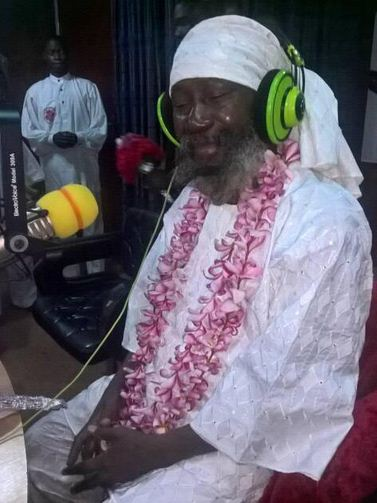 Sat Guru Mahraji makes a rare public appearance at Yinka Ayefele's radio station.