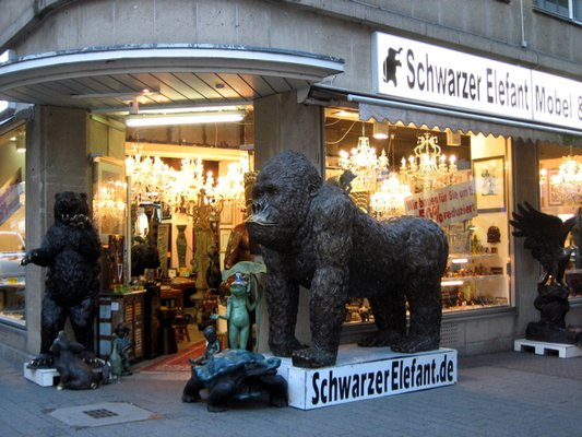 Pipocas de Colores: Schwarzer Elefant, antigüedades en Köln