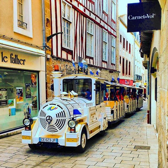 Tourist Train in Center Ville of Vannes I Brittany I France I Travelling Hopper I