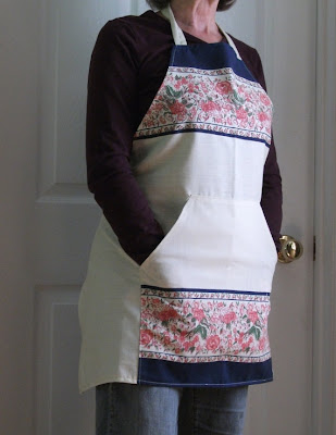 Cool Aprons and Creative Apron Designs (15) 14
