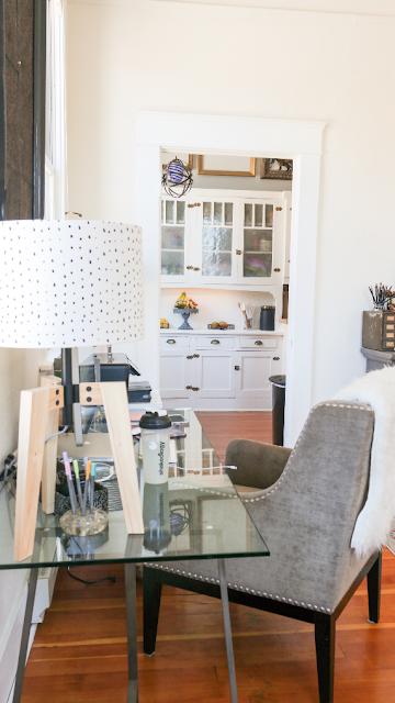 bright minimalist decor