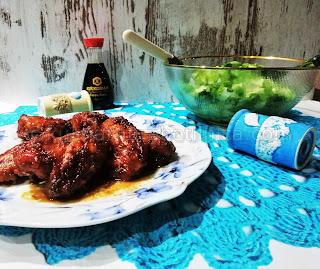 Пилешки крилца със соев сос и фъстъчено масло