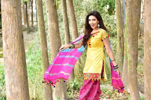 Bidya Sinha Saha New Photo In Yellow Dress