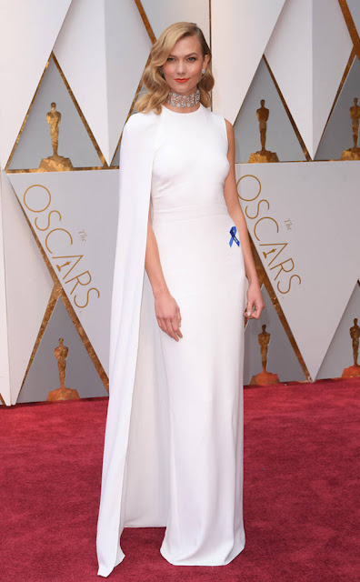 woody-beauty-selection-robe-oscars