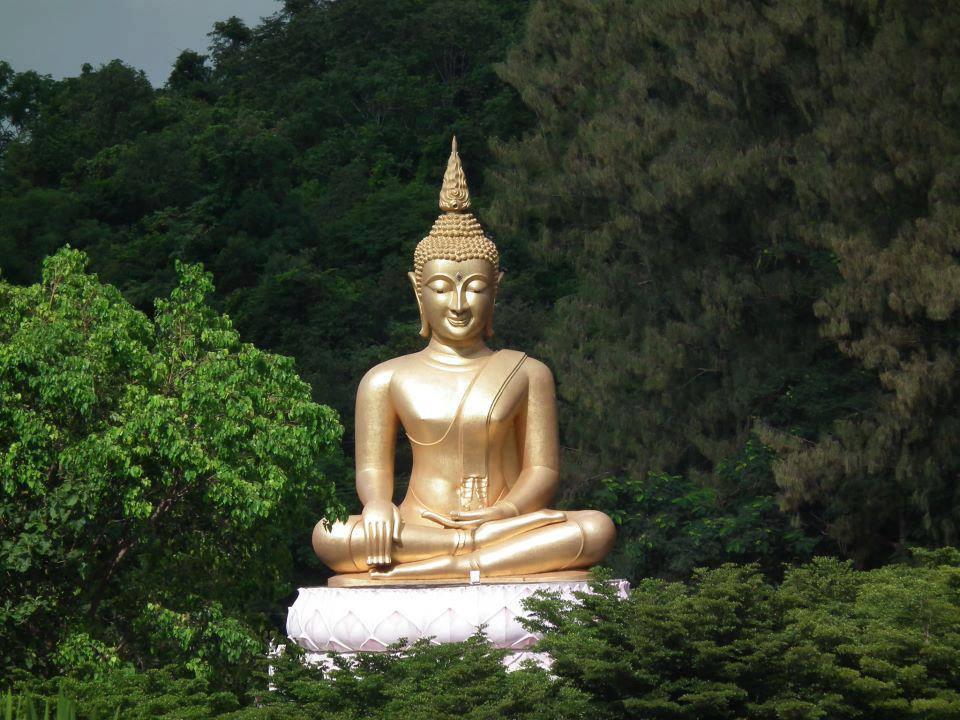 Gautam Buddha 3d Wallpaper Download Buddha Quotes Online Lord Buddha Statue Image