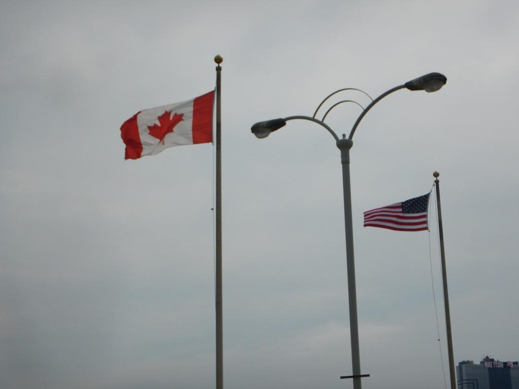 Fronteira entre Estados Unidos e Canadá