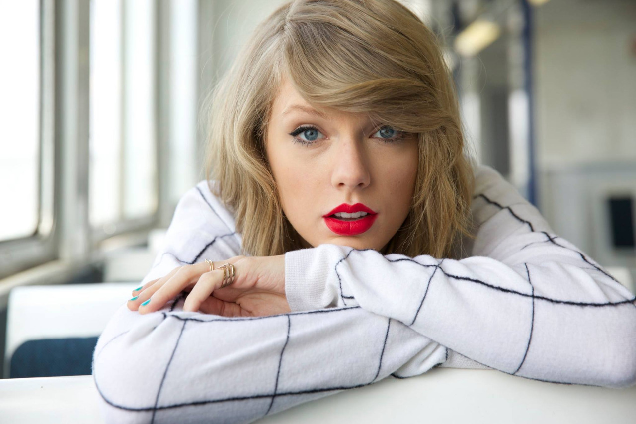 taylor swift biography and 7 unique facts from today's queen country - rock over