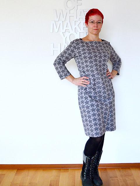 Fashion Style 9/15 Modell 18: Sofalümmelkleid @frauvau.blogspot.de