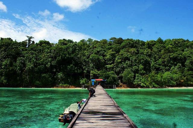 Berwisata%2Bdi%2BPulau%2BKakaban%2BBerau Berwisata Seru dan Mengasyikan di Pulau Kakaban Berau