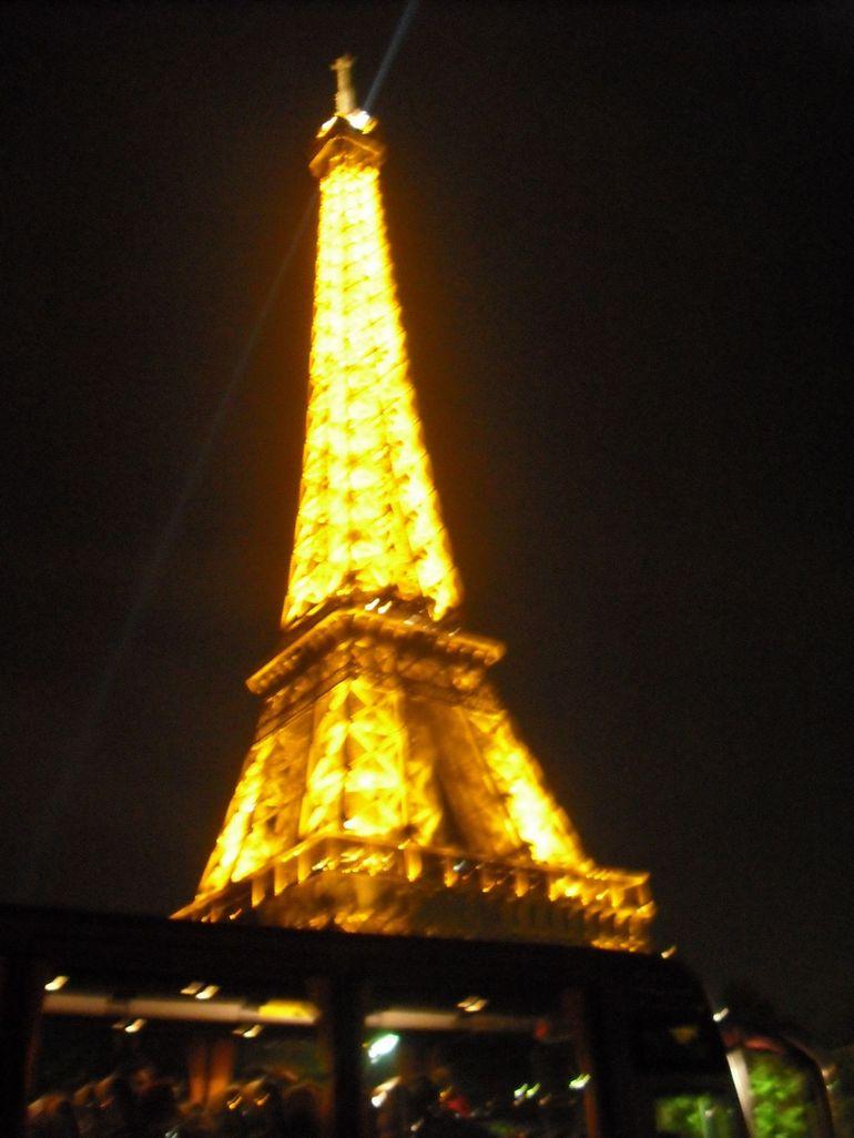 Anonymous Girl Wallpaper Paris Paris Eiffel Tower At Night
