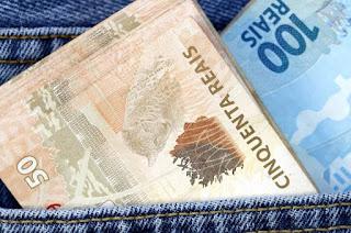 http://vnoticia.com.br/noticia/3028-estado-deposita-salarios-integrais-de-julho-a-todos-os-servidores-nesta-terca-14-8