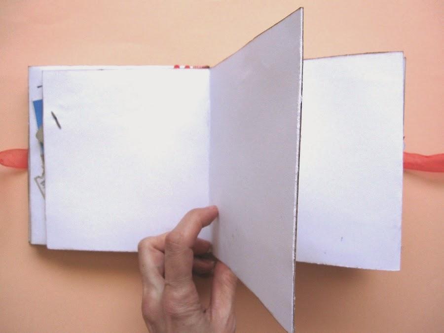 foto 2 decoración de scrapbookinkg del LOVE mini-álbum parte interior desplegable en zig-zag en blanco