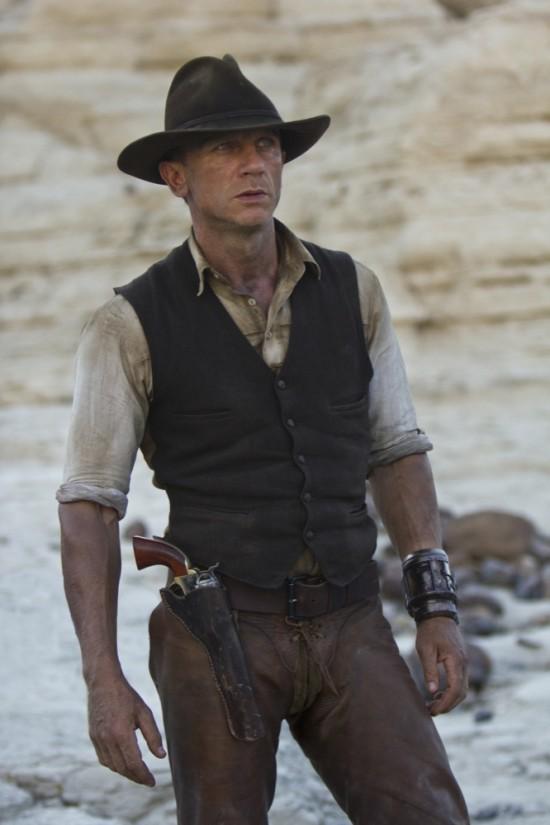 Booktalk & More: Cowboys & Aliens
