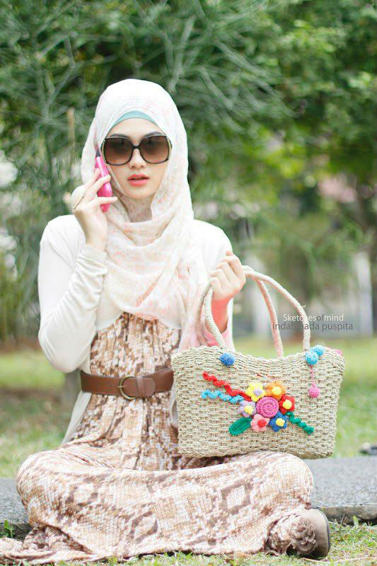 http://www.liataja.com/2017/08/foto-wanita-muslimah-cantik-thailand.html