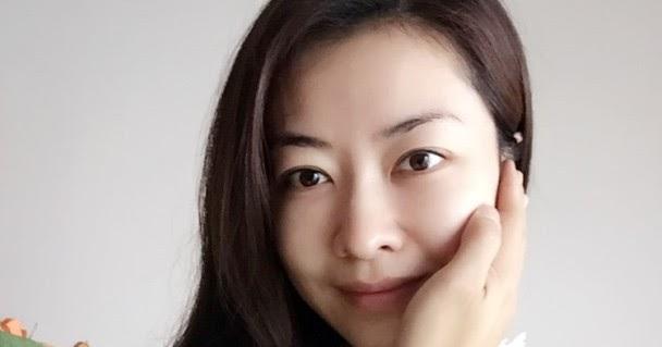 Asian E-News Portal: Another hand is touching Lynn Hungs
