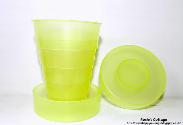 Plastic Ringed Folding Travel Cup