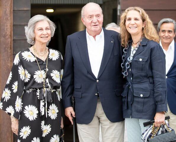 King Juan Carlos, Queen Sofia and Infanta Elena attended a dinner at Royal Yacht Club in Sanxenxo
