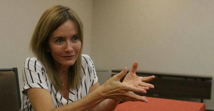Ministra de Educación Marilú Martens rechaza declaraciones de contralor Edgar Alarcón