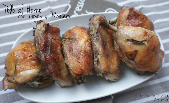 Pollo asado con limón y romero.