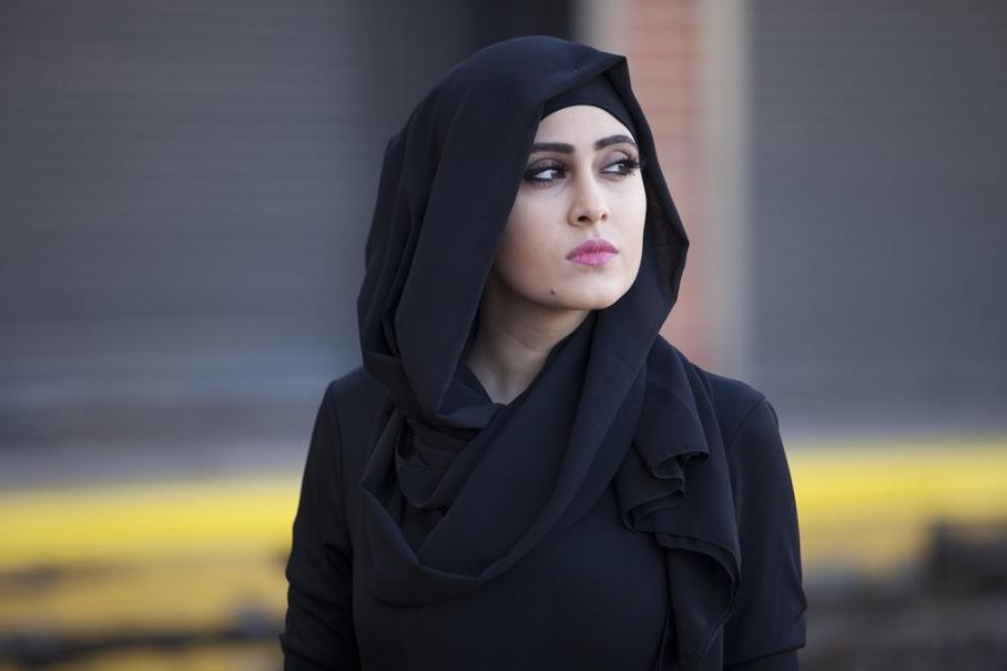 Model Hijab Jilbab Warna Hitam