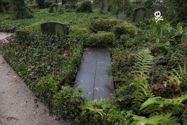 El jardín de lápidas en Huis te Vraag