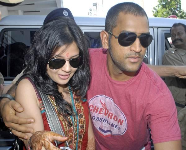 Dhoni First Girlfriend Priyanka Original Photo
