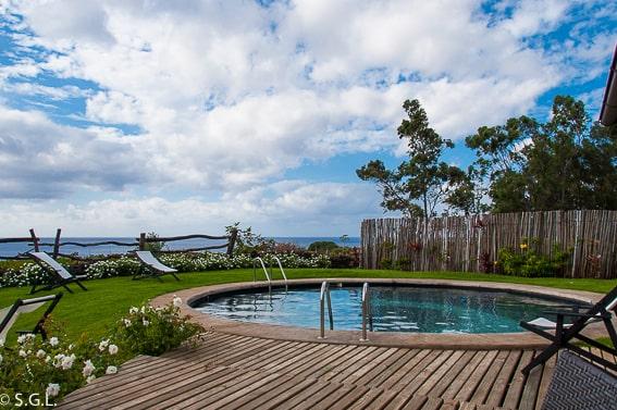 Piscina del Hotel Altiplánico Rapa Nui. Dormir en la Isla de Pascua