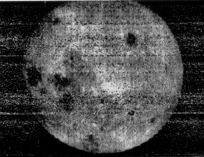 first photograph of the far side of the Moon