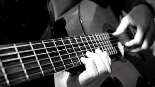 Gitaris Harus Tahu Aksesoris Gitar Berikut ini