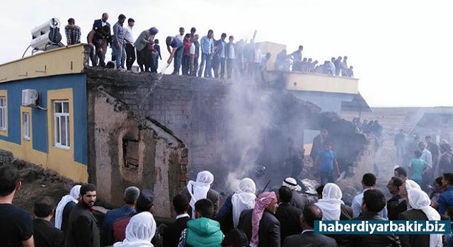 DİYARBAKIR-Diyarbakır'ın Çınar ilçesinde bir gecekondunun mutfak kısmında çıkan yangın paniğe neden oldu.