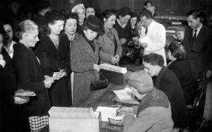 Donne-voto-1946