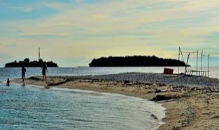 http://www.teluklove.com/2017/04/destinasti-objek-wisata-pulau-gosong_15.html