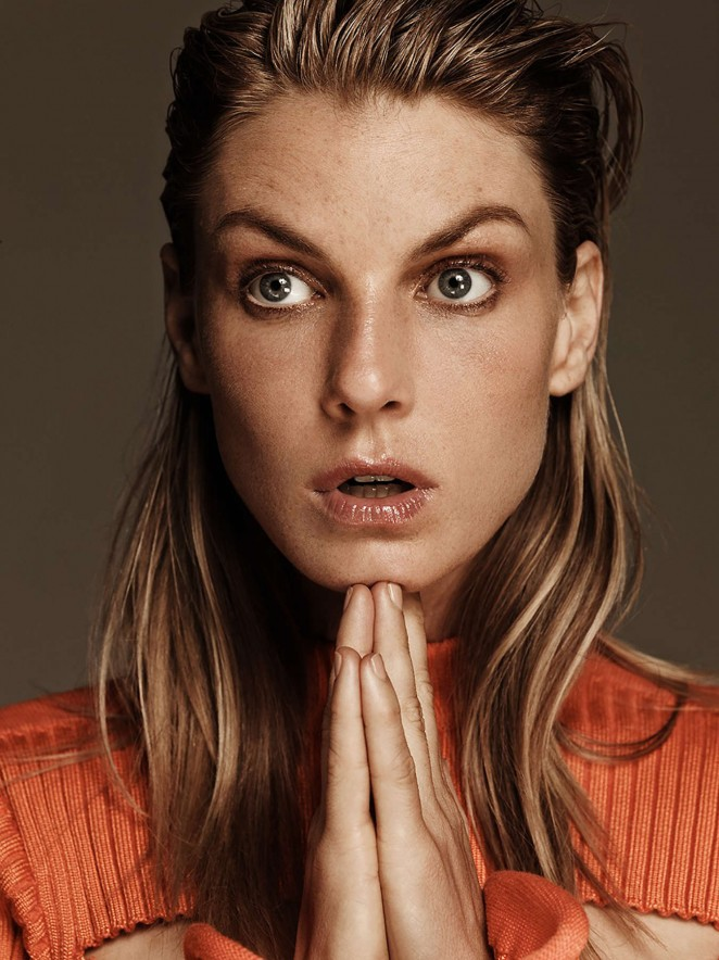 facebo angela lindvall born - 662×884