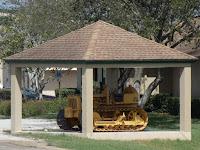Tractor antiguo para los pantanos
