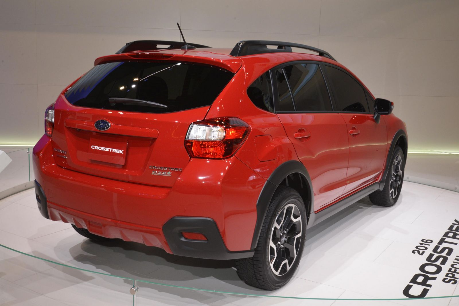 subaru xv crosstrek special edition hides between concepts. Black Bedroom Furniture Sets. Home Design Ideas