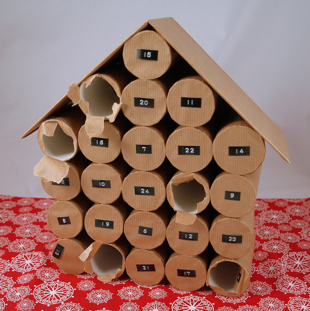 adventskalender aus toilettenpapierrollen adventskalender basteln mamas kram adventskalender. Black Bedroom Furniture Sets. Home Design Ideas
