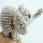 https://translate.google.es/translate?hl=es&sl=en&tl=es&u=https%3A%2F%2Fhellostitchesxo.wordpress.com%2F2016%2F02%2F02%2Famigurumi-elephant-crochet-free-pattern%2F
