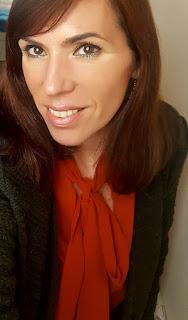 Maquillaje verde y naranja 02