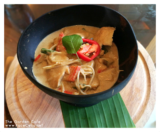 Green Thai Chicken Curry at The Garden Cafe