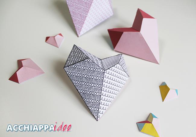Scatola cuore 3d di carta con doodle