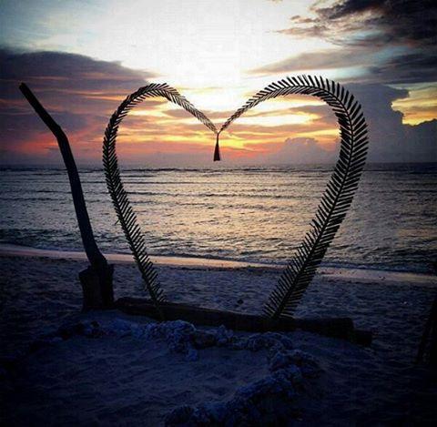 foto sunset fomantis di gili meno