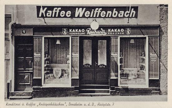 """Postkarte Kaffee Weiffenbach: Konditorei und Kaffee """"Knusperhäuschen"""", Bensheim a. d. B., Hauptstraße 7, X 95 - Verlag Photo van Bosch, Bensheim an der Bergstraße;"""
