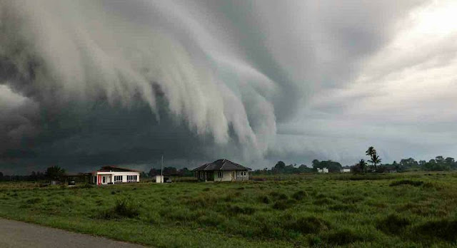 pembentukan gumpalan awan ombak besar ganas di sabah 1