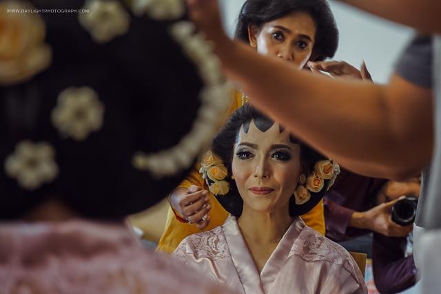 persiapan pengantin perempuan, MUA Ayu Vembyarto, lokasi Villa Sawah Gondanglegi