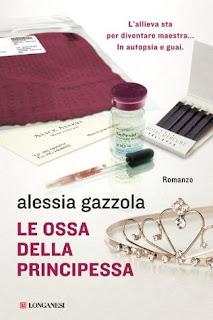 copertina Le ossa della principessa di Alessia Gazzola